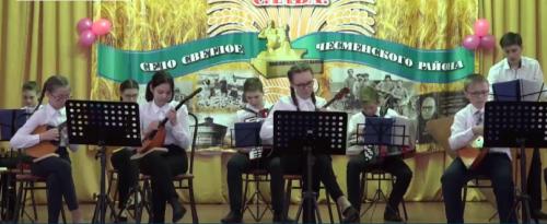 Нужны ксилофон и домры. В селе Светлом под Чесмой организовали оркестр народных инструментов
