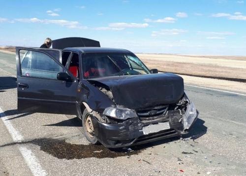Куда гоним? Женщина-водитель на «Дэу Нексии» в Чесменском районе столкнулась с «Маздой», двое пострадали