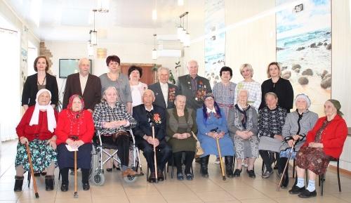 Тёплая встреча. Сегодня в Чесменском районе проживают три участника и один инвалид Великой Отечественной войны