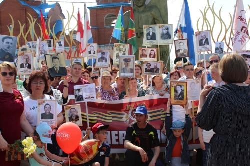 Порядок на празднике. Чесменские полицейские прошли в строю «Бессмертного полка»