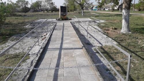 Теперь есть где поклониться… В посёлке Новый мир поставили памятник землякам, воевавшим в Великую Отечественную