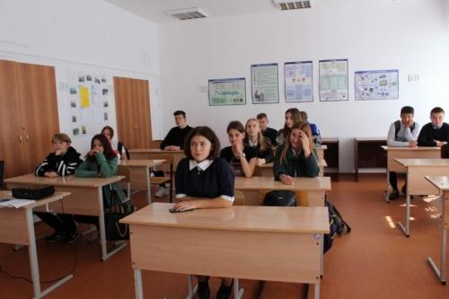Уроки права. Чесменские полицейские проверили, как старшеклассники знают Правила дорожного движения