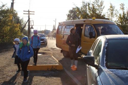 Правила движения не терпят возражения. Дорожной азбуке чесменских ребятишек  обучают родители