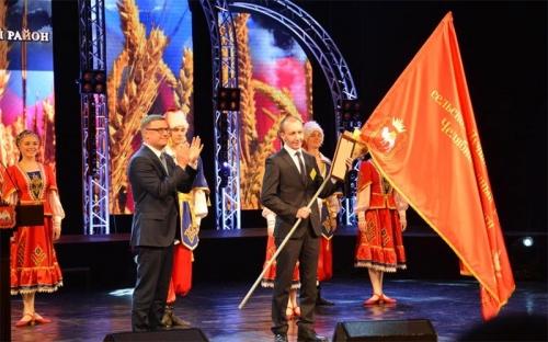 Те, кто кормят регион. Кооператив «Беловский» Чесменского района признан лучшей сельхозорганизацией области