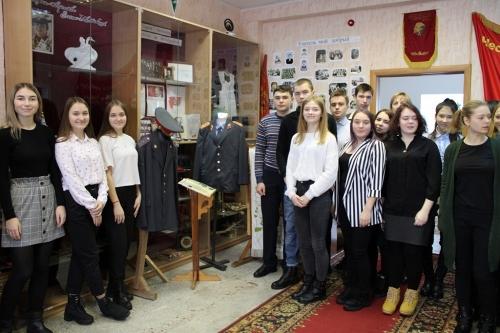 Они создавали милицию Чесмы. Десятиклассники школы имени Гаврилова пришли на урок в… музей