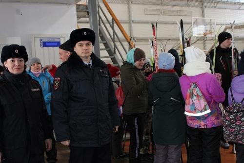 Гонки под присмотром. Сотрудники чесменской полиции охраняли общественный порядок на лыжных состязаниях