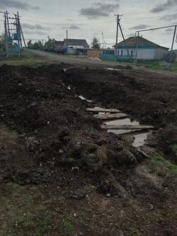 И это не паводок. Жителям посёлка Березинского пришлось обратиться в прокуратуру с жалобой на бездействие чиновников