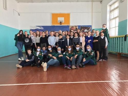 Студенты десантировались в муниципалитеты. В Чесменский район пришли «Ледяные львы»